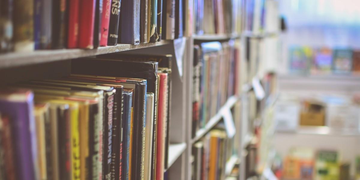 brainster, браинстер, akademska kniga, академска книга, knigi za programiranje, knigi za dizajn, knigi za marketing, knigi za pretpriemnistvo, книги за програмирање, книги за маркетинг, книги за претприемништво, книги за дизајн, препорачани книги, книжарница, книжара, knizara, knizarnica